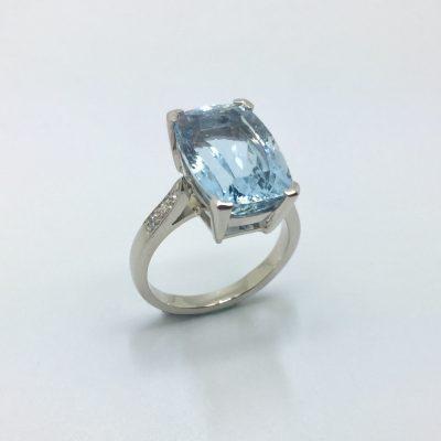 bague diamant, aigue marine et OR 750 milliemes - Bijouterie Ferre au Bouscat